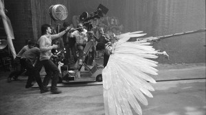 """Filmo """"Brazilija"""" (rež. Terry Gilliam, 1985) filmavimo aikštelėje"""