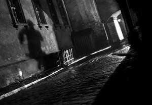 """Kadras iš filmo """"Trečiasis žmogus"""" (rež. Carol Reed, 1949)"""