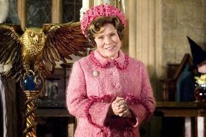 """""""Reikalai Hogvartse kur kas blogesni, nei tikėjausi"""". Kadras iš filmo """"Haris Poteris ir Fenikso brolija"""" (2007)"""