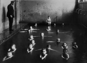 François Kollar. Plaukimo pamokos. 1930