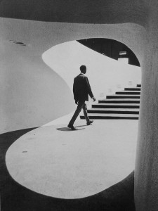 Algimantas Kezys. Sraigtiniai laiptai Čikagoje. 1967
