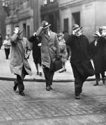 George McDowell. Vėjuota diena Filadelfijoje. 1947