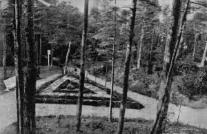"""Tautos vado ąžuolas prie Birutės kalno. Igno Stropaus nuotraukos iš vaizdų albumo """"Palanga"""" (1936)"""