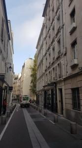 Paryžius, rue de l'Echaudé. Dešinėje – namas Nr. 11, kuriame gyveno Petras Cvirka. Autoriaus nuotrauka