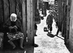 Rustam Muchametzianov. Vainikas vaikaitei. Kazanė. 1978