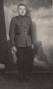 Vincentas Baltūsis su karine uniforma. XX a. ketvirtasis dešimtmetis