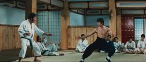 "Bruce'as Lee filme ""Įniršio kumštis"" (1972)"
