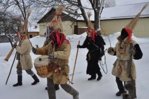 Buduli. Latvių persirengėliai. XII tarptautinis kaukių festivalis. 2011. Autoriaus nuotrauka